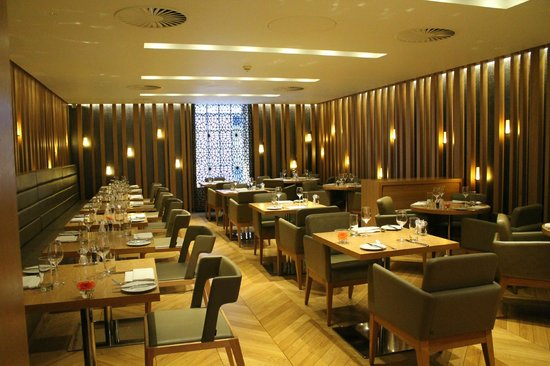 Modern and chic decor picture of chambers london