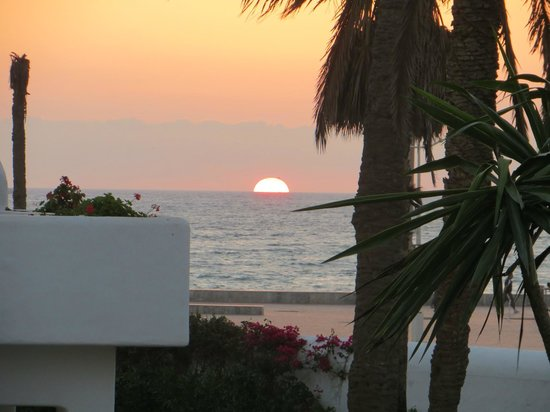 ClubHotel Riu Tikida Dunas: View of the sun set from room