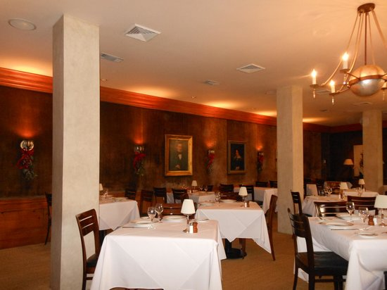 Peninsula Grill : Lovely, comfortable, quiet dining room