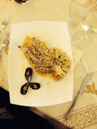 Sapori Venexiani: Spaghetti di mare in Gondola