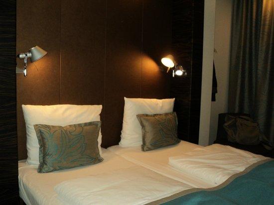 Motel One Berlin-Ku'damm: la habitación