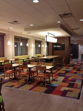 Fairfield Inn & Suites Orlando International Drive/Convention Center : Breakfast area