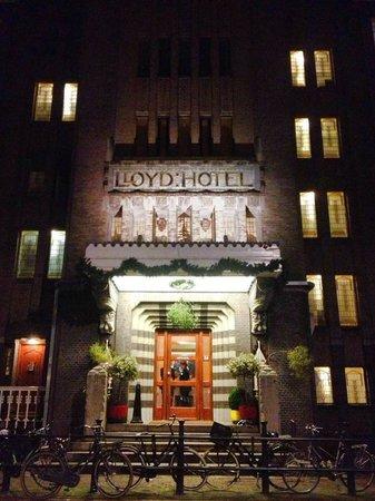 Lloyd Hotel & Cultural Embassy : Nighttime