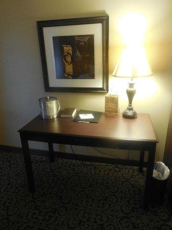 Best Western Plus Intercourse Village Inn & Suites: Desk