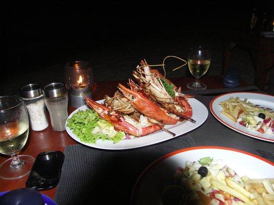 Thaproban Beach House: Dinner on the beach