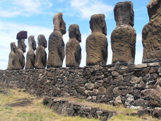 Ahu Tongariki: de espaldas
