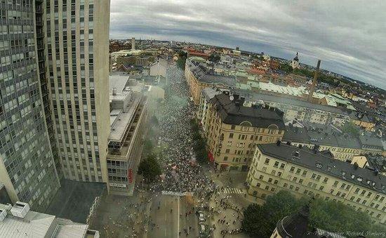 Södermalm: Hammarbys marsch höst säsongens start 2013 från medborgarplatsen