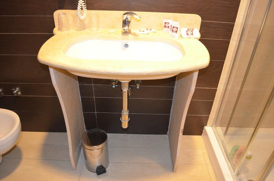 Hotel Ferdinando II: bagno