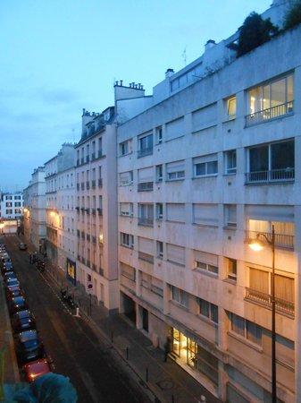 Hotel Agenor: Petite rue calme