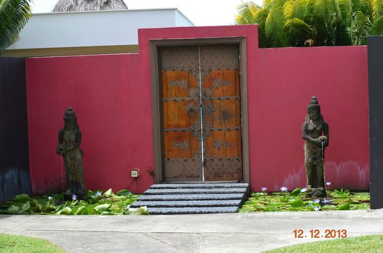 Fiji Hideaway Resort & Spa: Spa entrance