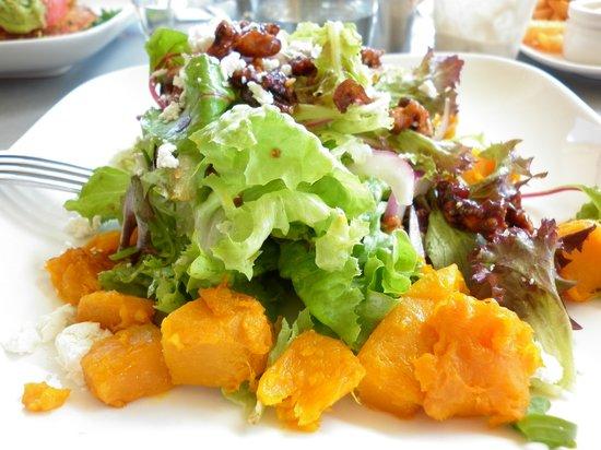 Reef Bar Grill : reef summer salad with walnuts