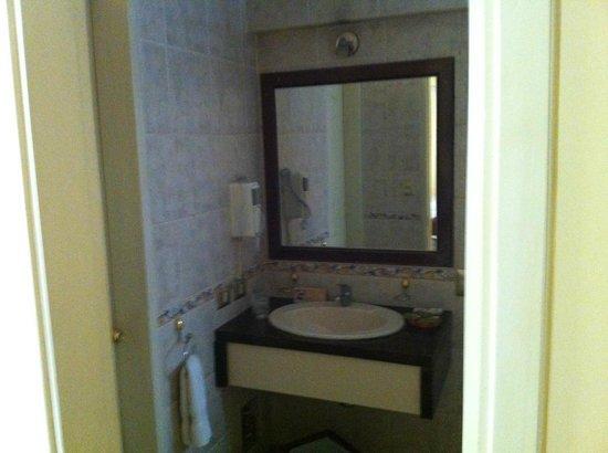 Hotel Taypikala Cusco: Banheiro