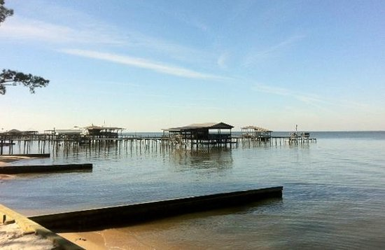 Bay Breeze Bed & Breakfast: Morning - on the pier