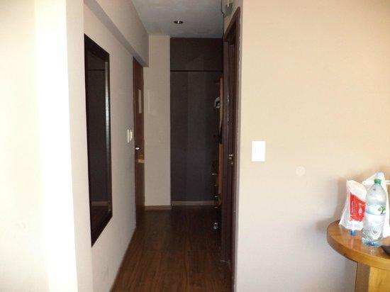 Quillen Hotel & Spa: Entrada a habitación vista desde la ventana