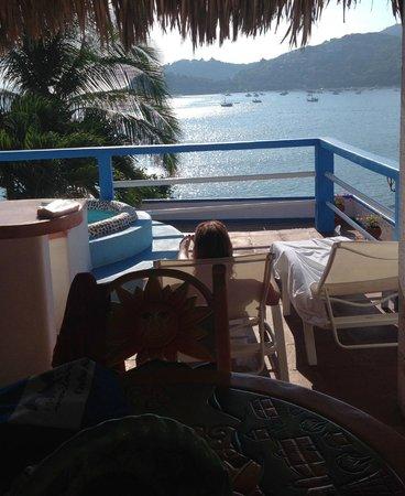 Casa Sun & Moon : Ahhhh - relaxing on our terrace.