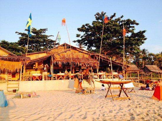 Baan Pakgasri Hideaway: Chralee bakery beach bar...direkt neben dem hotel