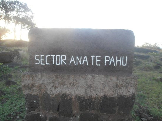 Ana Te Pahu: cartel