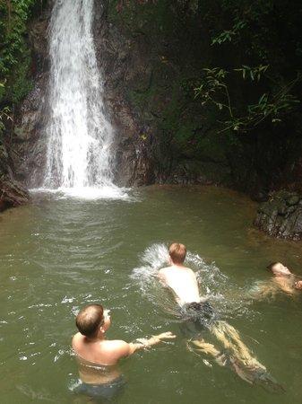 Casa Grande Mountain Retreat: Rainforest hike to waterfall