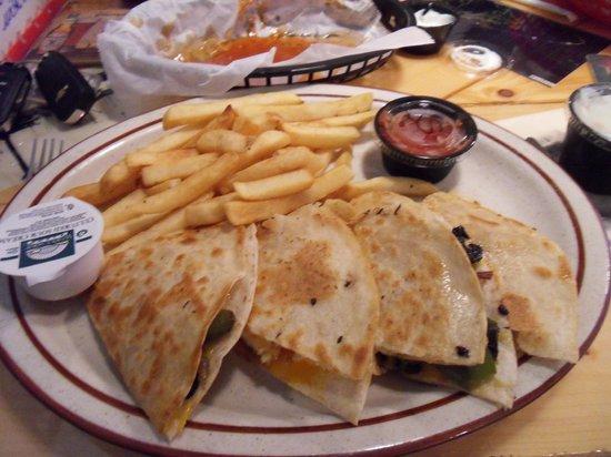 Category Three Bar & Grill: Chicken quesadillas