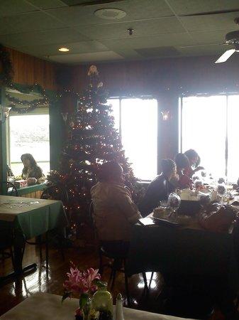 Morgan Creek Grill: Christmas Decorations