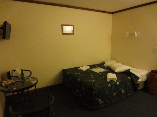 Punakaiki Tavern & Motel: clean room