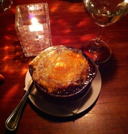 The Lighthouse Seafood and Grill: Onion soup