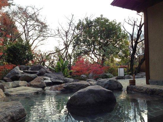 Jinya: 新しい露天風呂