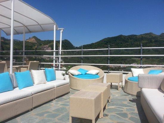 Hotel Mediterraneo Boutique: Terraza