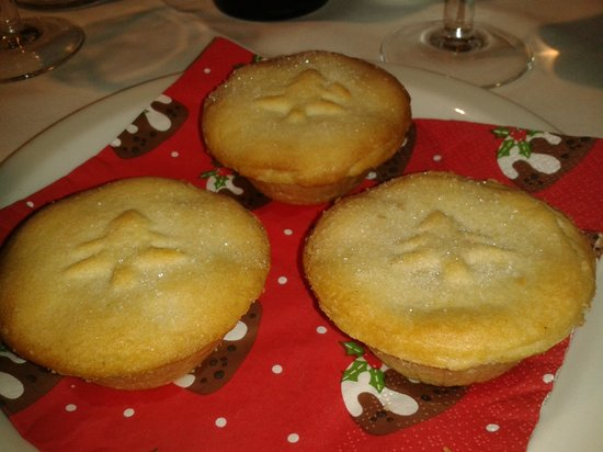 The Heath Inn: Hot mince pies