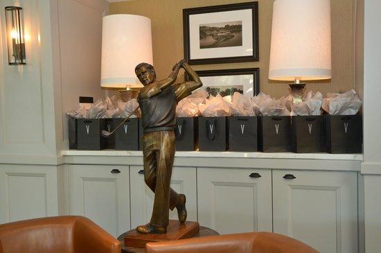 Vernon's Restaurant: The Iconic Golfer