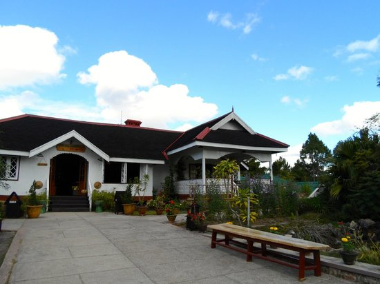 Pine Hill Resort, Kalaw: View of main office and grounds