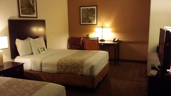 La Quinta Inn & Suites Montgomery Carmichael Road: A double-bed room