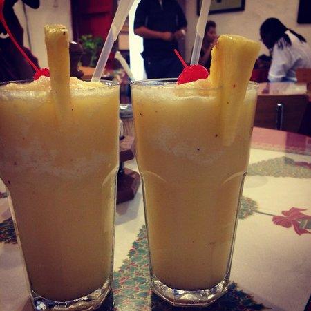 Cafe El Punto : Piña colada (no Rum)