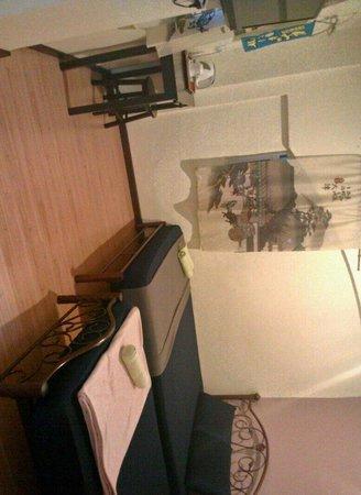 Ajit Guest House & Hotel: En-suite family room or triple room.