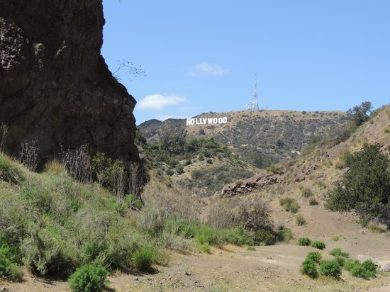Bronson Caves : Hollywood Sign