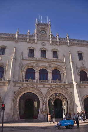 Rossio Square: Rossio train station