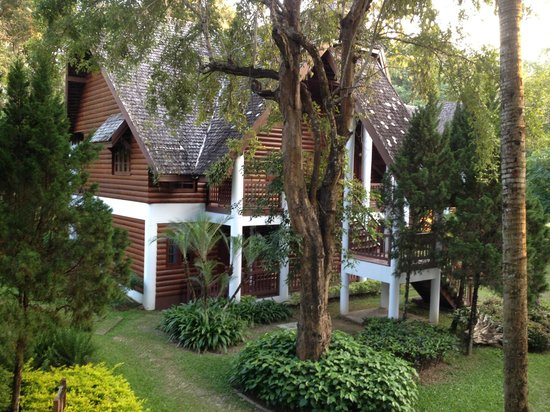 Royal Ping Garden & Resort: cottages at royal ping
