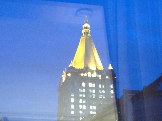 The NoMad Hotel: Crown Building at Dusk