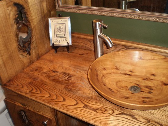 McGourty's Pub: Custom woodwork in the gents!!!