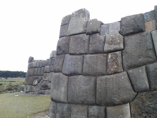 Sacsayhuamán: some wall