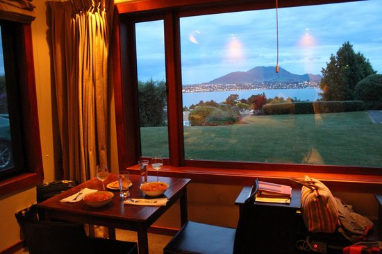 Tauhara Sunrise Lodge: View from the honeymoon suite