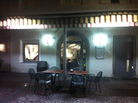 Pizzeria Arc - Bistro Hotel Krone: i tavolini all'esterno