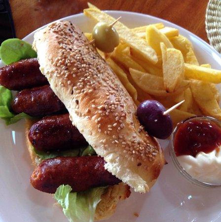 "IslaGrill: Chorizo ""hamburger"" sandwich"
