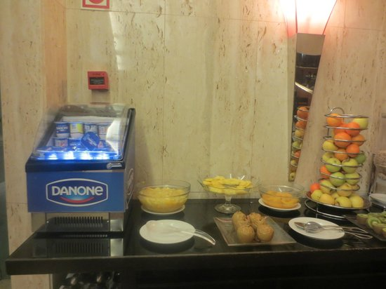 Turim Europa Hotel: Breakfast buffet