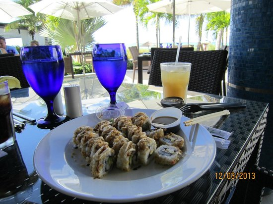 Beaches Turks and Caicos Resort Villages and Spa: Sushi bar right by the beach, my favourite!