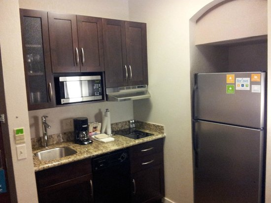 Hyatt House Philadelphia/King of Prussia : Kitchen