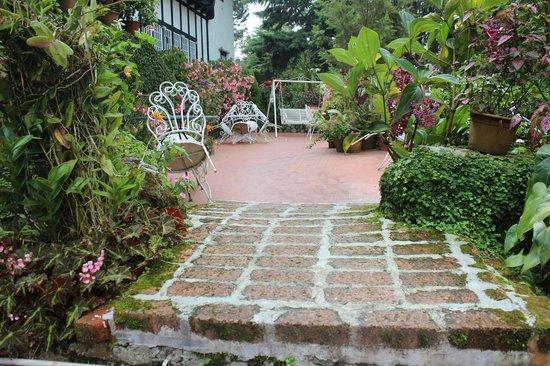 Smokehouse Hotel Cameron Highlands: garden