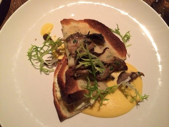 Hen of the  Wood : Crepes