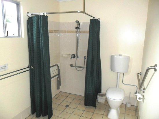 Antler Motel : Disabled suite