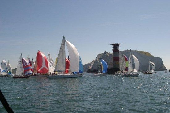 Commodore Yachting: Round the Island Race
